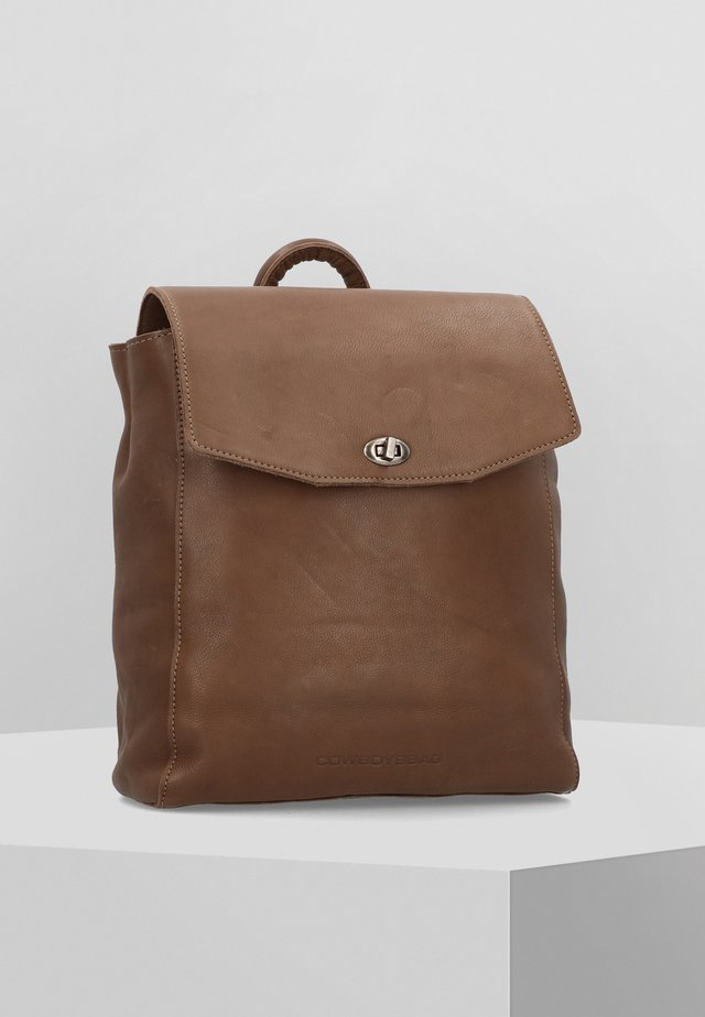 MAY  - Tagesrucksack - brown
