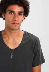 Icon Brand - CROSS TOWN NECKLACE - Ketting - gold-coloured - 1