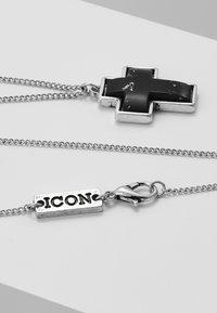 Icon Brand - STONED CROSS NECKLACE - Kaulakoru - black - 2