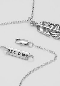 Icon Brand - CROSS AND FEATHER NECKLACE - Kaulakoru - antique silver-coloured - 2