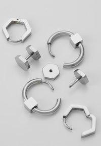 Icon Brand - CONVEYOR EARRING SET - Korvakorut - silver-coloured - 2