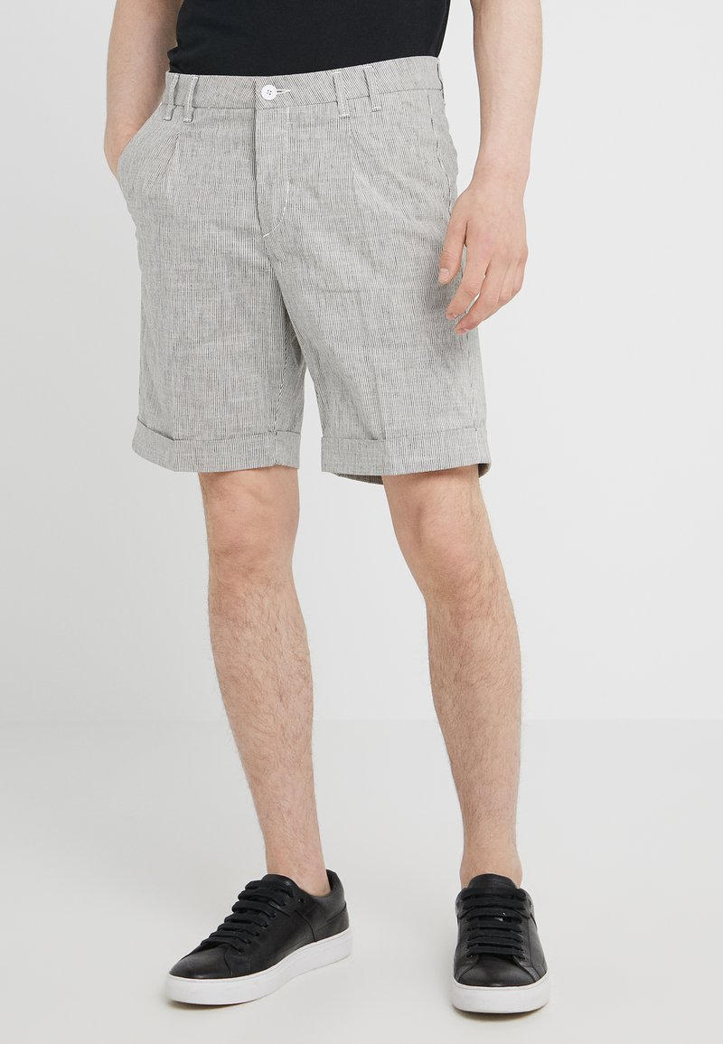 CC COLLECTION CORNELIANI - Shorts - white