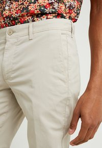 CC COLLECTION CORNELIANI - Trousers - stone - 3