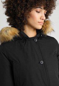 Canadian Classics - LINDSAY - Down coat - black - 4