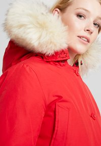 Canadian Classics - LINDSAY - Down coat - bright red - 4