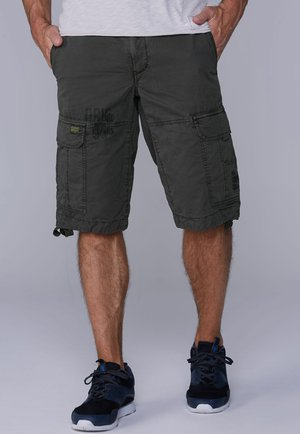 Shorts - moltted green