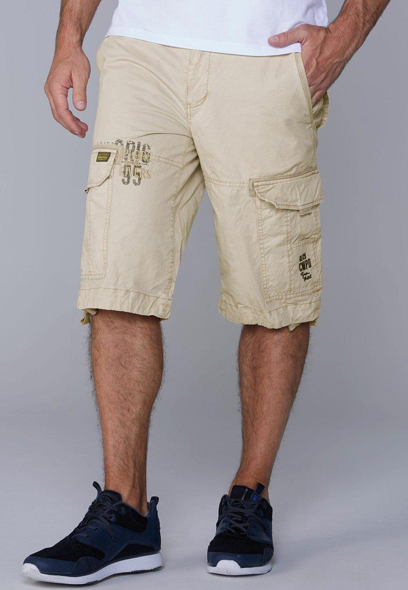 Camp David - Shorts - brown
