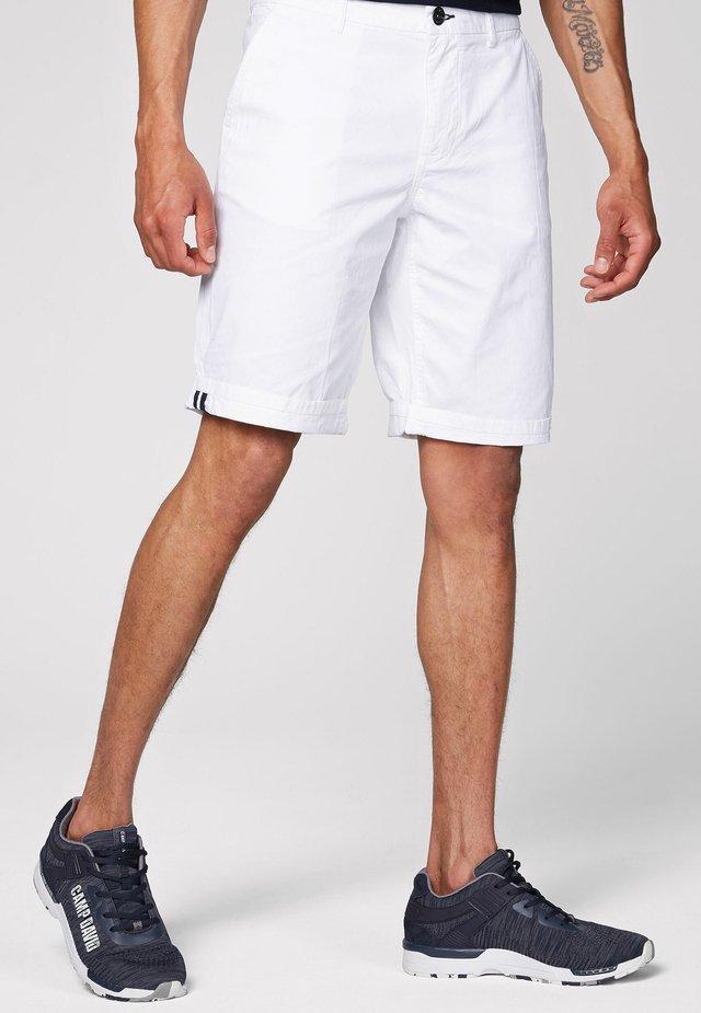 KLASSISCHE - Shorts - opticwhite