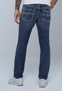 Camp David - MIT KNOPFVERSCHLUSS UND USED LOOK - Straight leg jeans - dark blue - 2