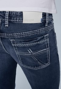 Camp David - MIT KNOPFVERSCHLUSS UND USED LOOK - Straight leg jeans - dark blue - 4