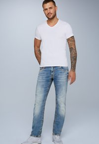 Camp David - RETRO STYLE - Straight leg jeans - light vintage - 1