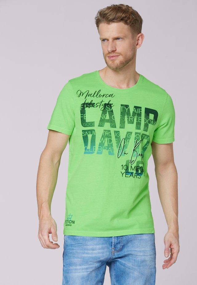 MIT PHOTOPRINT LOGO - Print T-shirt - neon green