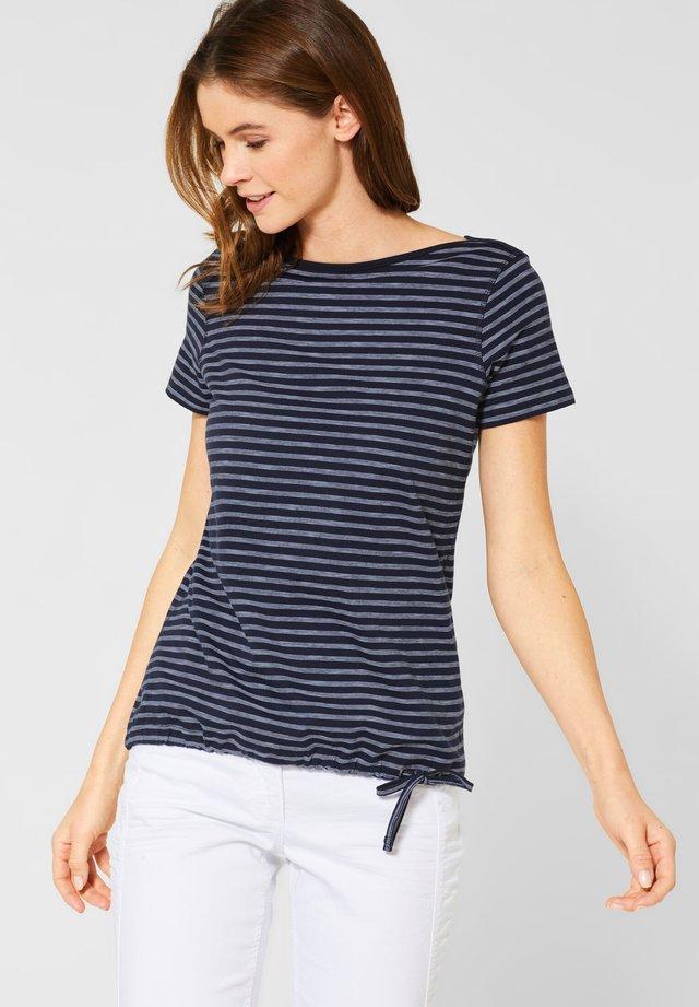 MIT STREIFEN - Print T-shirt - blue