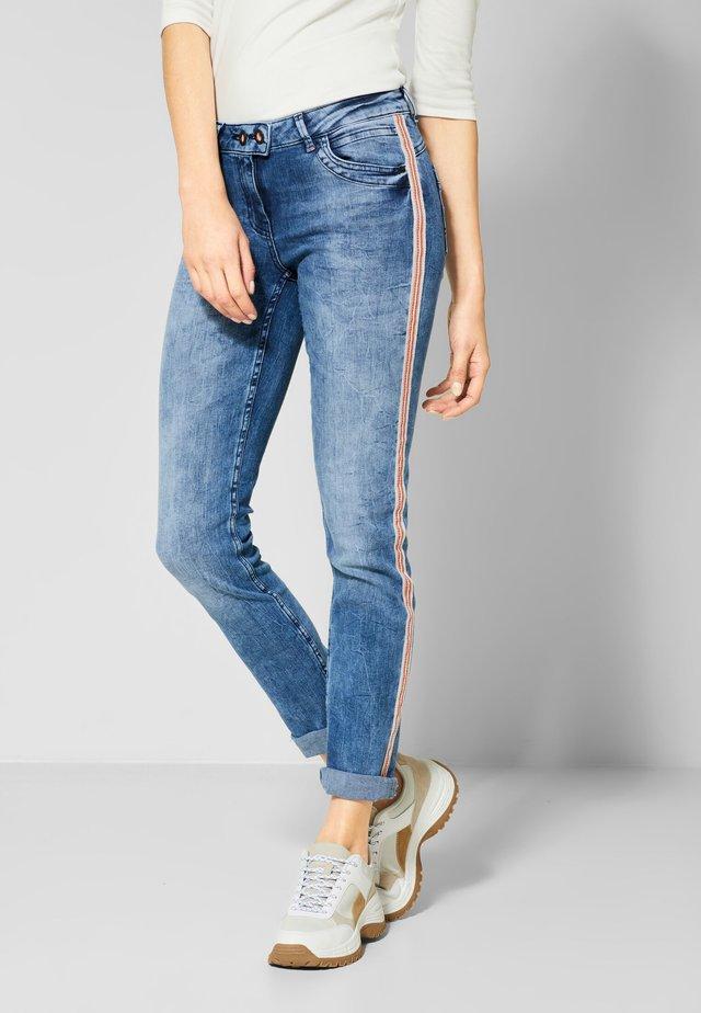 SCARLETT - Slim fit jeans - blue