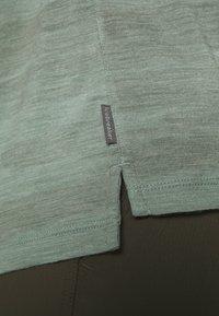 Icebreaker - VIA SCOOP - T-shirts print - shale - 5
