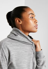 Icebreaker - TABI REAL FLEECE PULLOVER HOODY - Huppari - heather - 4