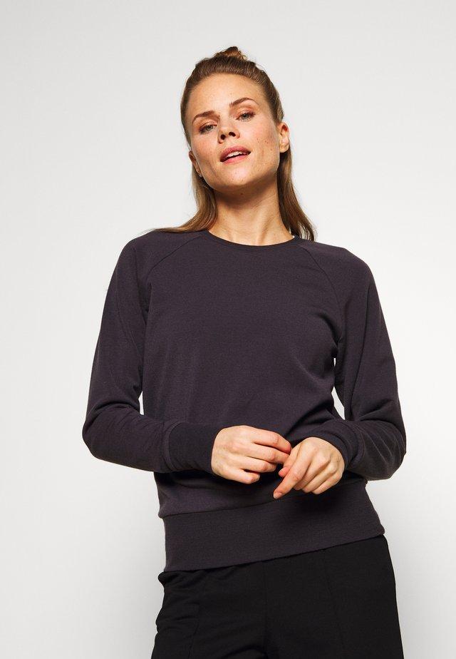 NATURE DYE HELLIERS CREWE - Sweatshirt - tannin