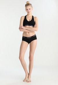 Icebreaker - SPRITE HOT PANTS - Panties - black - 1