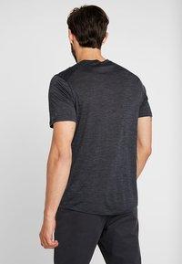 Icebreaker - MENS SPHERE CREWE - T-shirts basic - black heather - 2