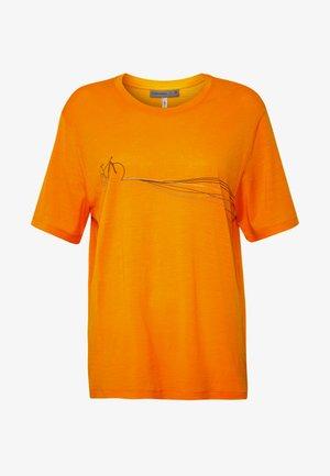 TECH LITE CREWE CADENCE PATHS - T-shirt med print - sun