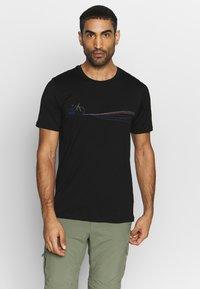 Icebreaker - TECH LITE CREWE CADENCE PATHS - T-shirt z nadrukiem - black - 0