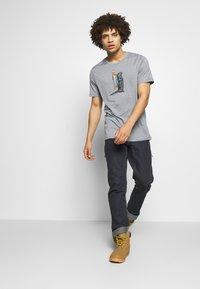 Icebreaker - TECH LITE CREWE OTTER PADDLE - T-shirts print - mineral - 1