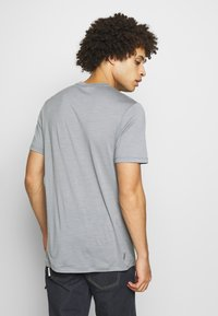 Icebreaker - TECH LITE CREWE OTTER PADDLE - T-shirts print - mineral - 2
