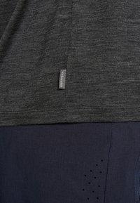 Icebreaker - RAVYN - T-shirts basic - jet heather - 5