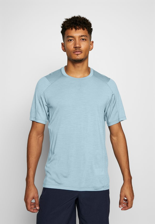 NATURE DYE GALEN  - T-Shirt basic - true indigo light