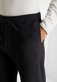 Icebreaker - TABI REAL PANTS - Tracksuit bottoms - deep midnight - 4