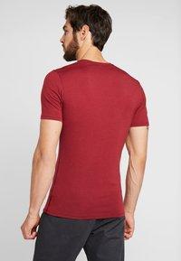 Icebreaker - ANATOMICA - T-Shirt basic - cabernet - 2