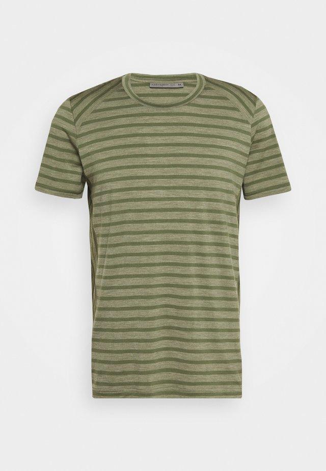 MENS ELOWEN CREWE - Unterhemd/-shirt - cypress