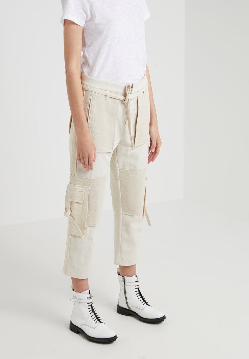 Opening Ceremony - TIE KNOT PANT - Trousers - ecru