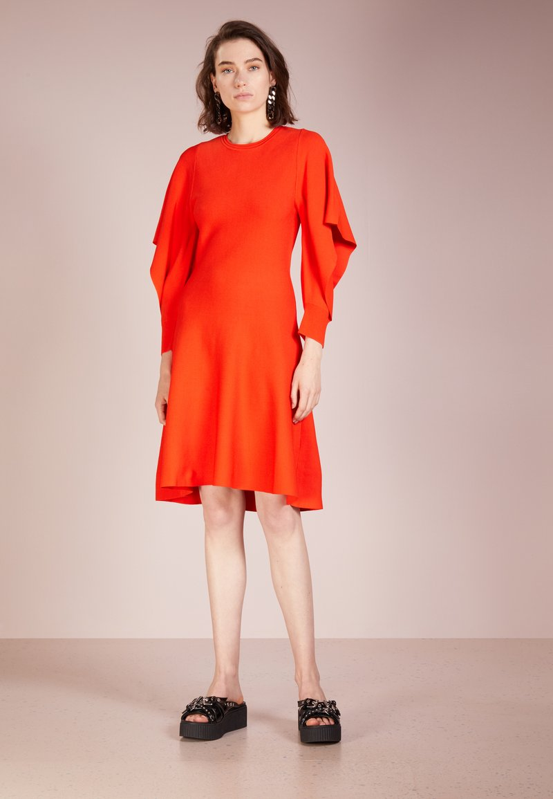 Opening Ceremony - FLOUNCE SLEEVE  - Jumper dress - vixen red