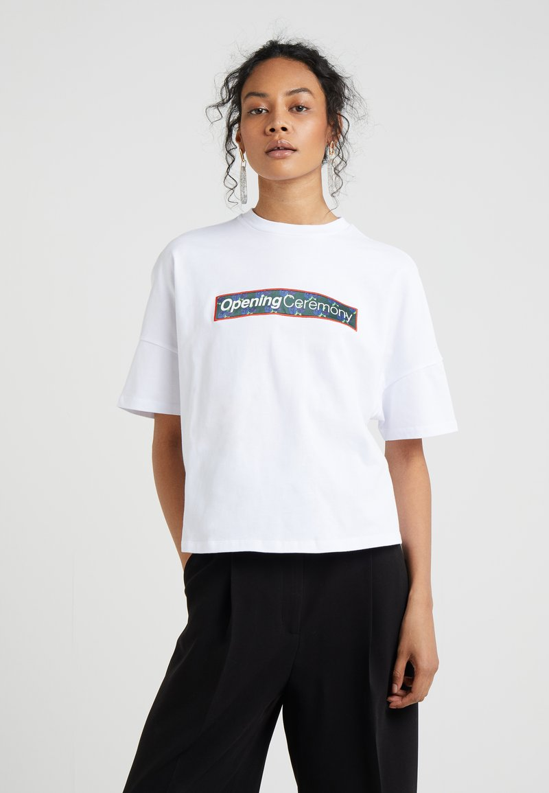 Opening Ceremony - OVERSIZED BOXY SHIRT - Camiseta estampada - optic white