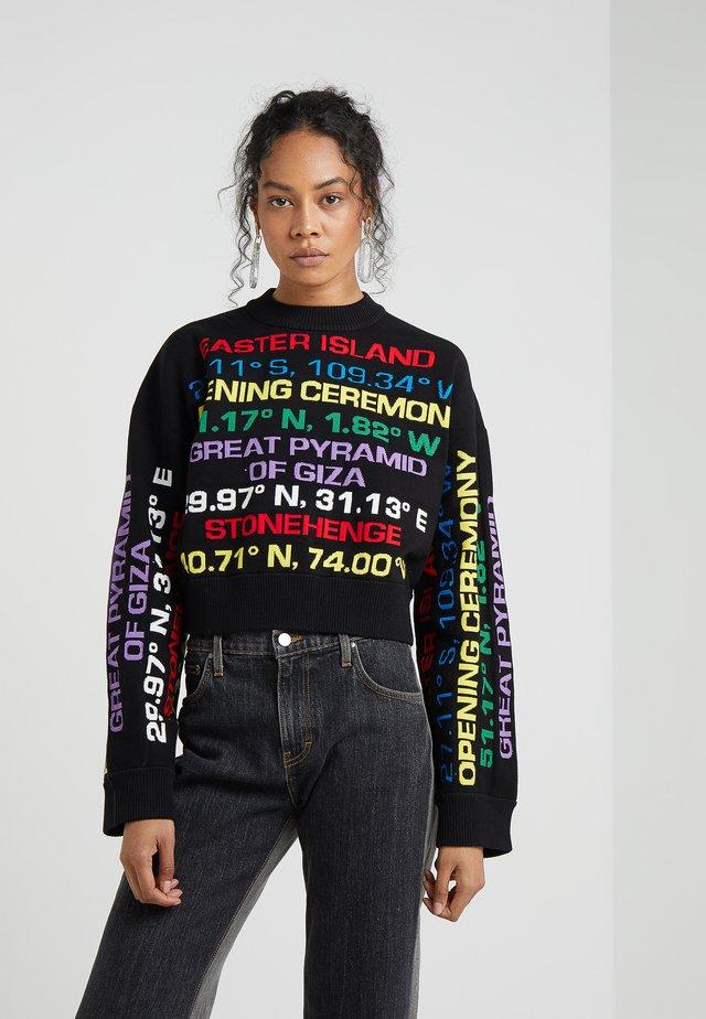 DESTINATION CREW - Stickad tröja - black/multi