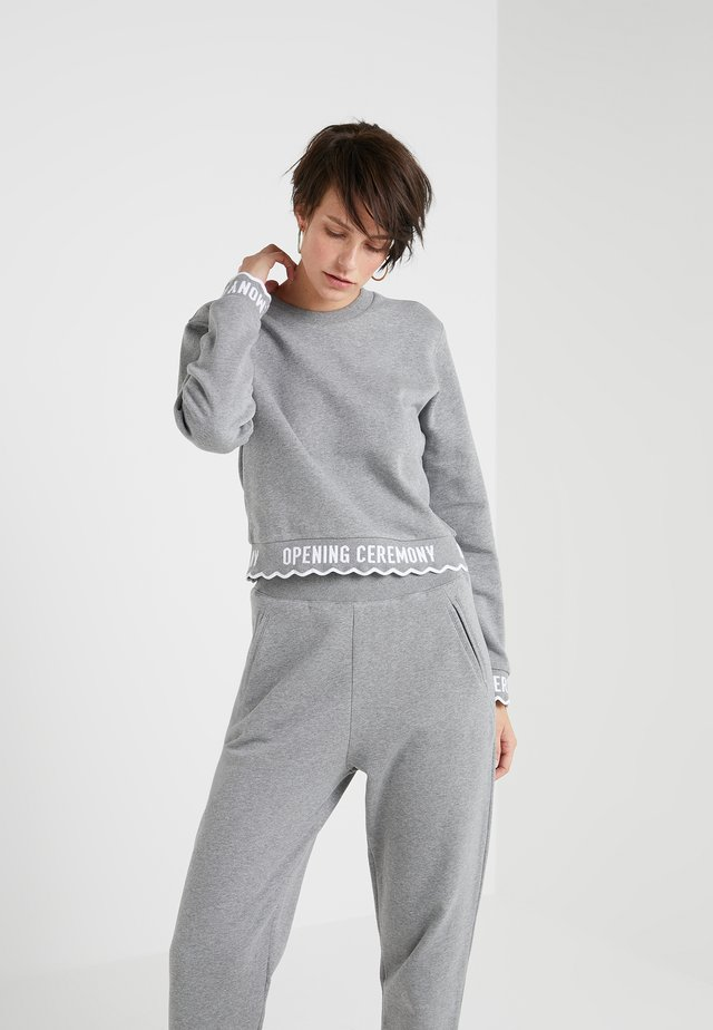 SCALLOP LOGO CROP - Sweatshirt - heather grey