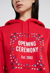 Opening Ceremony - BANDANA BOX HOODIE - Bluza z kapturem - red - 5
