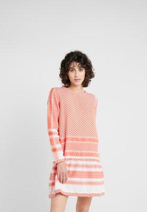 DRESS - Kjole - coral