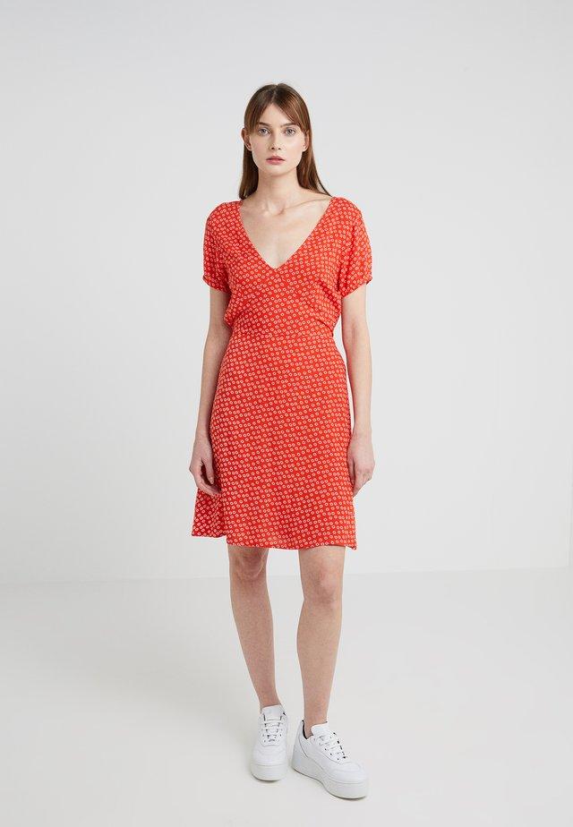 JEANETTE DRESS - Sukienka letnia - red lip