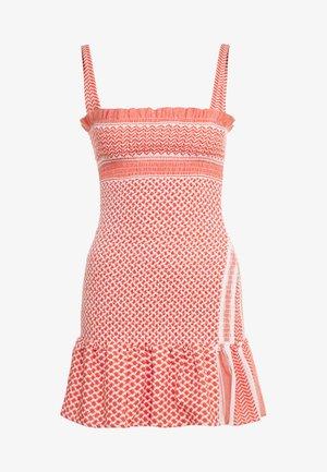 JUDITH - Denní šaty - coral