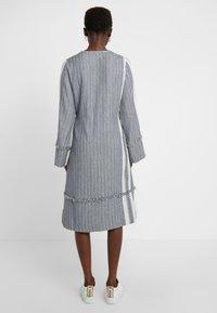 CECILIE copenhagen - FADE DRESS - Vardagsklänning - grey - 2