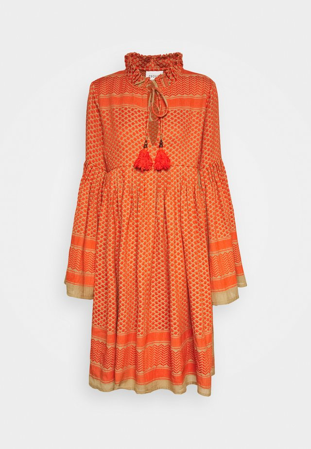 SOUZARICA - Freizeitkleid - orange