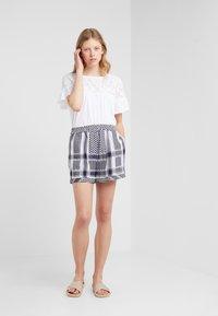 CECILIE copenhagen - BASIC - Shorts - night - 1