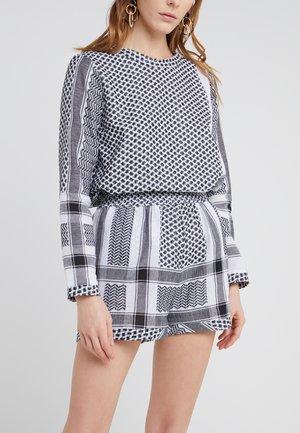 BASIC - Short - black/white
