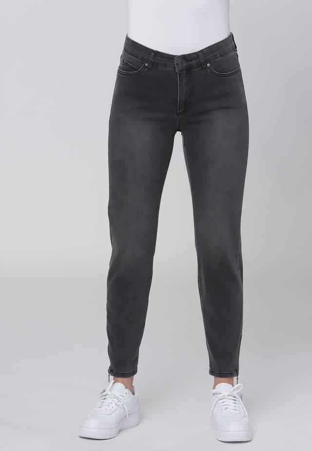 CERO & ETAGE PANTS - Slim fit jeans - grey heavy wash