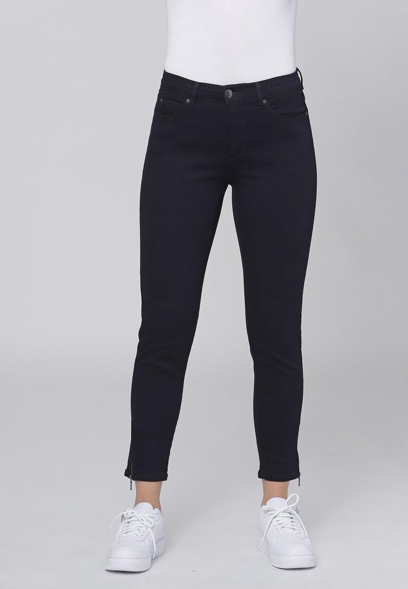 Cero & Etage - CERO & ETAGE PANTS - Jeans slim fit - dark blue