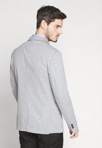 CELIO - NUPIK - Veste de costume - gris clair - 2