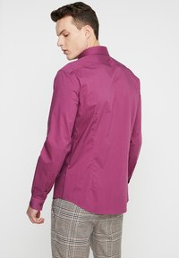 CELIO - MASANTAL - Formal shirt - framboise