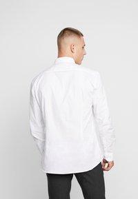 CELIO - NAPINPOINT - Košile - white - 2